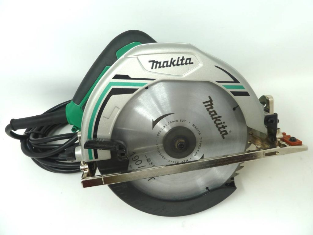 makita マルノコ M585 190mm